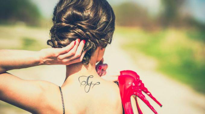 ce-tatuaje-se-poarta-in-2016-idei-cool-pentru-cele-mai-curajoase-doamne-si-domnisoare_1_size2